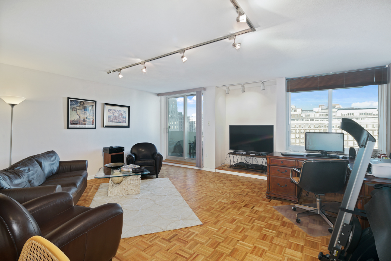 604 Washington Square Unit 1512-MLS-4.jpg