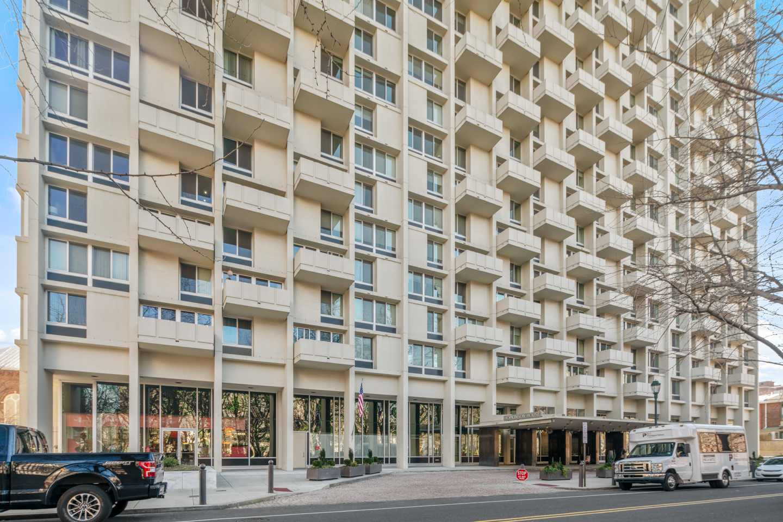 604 Washington Square Unit 1512-MLS-13.jpg