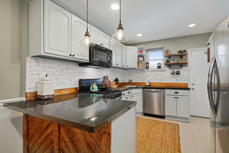 4730 Upland St Interiors-MLS-6.jpg