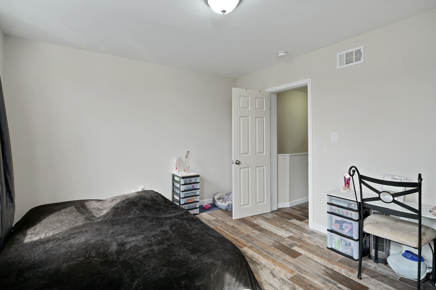 2629 Dickinson St-MLS-13.jpg