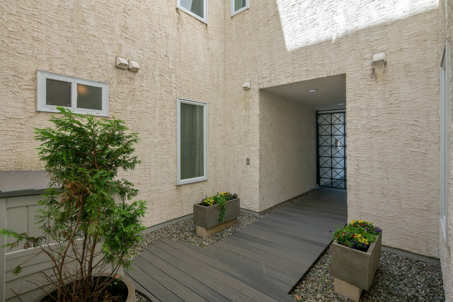1022 Fairmount Ave Unit 2-MLS-15.jpg