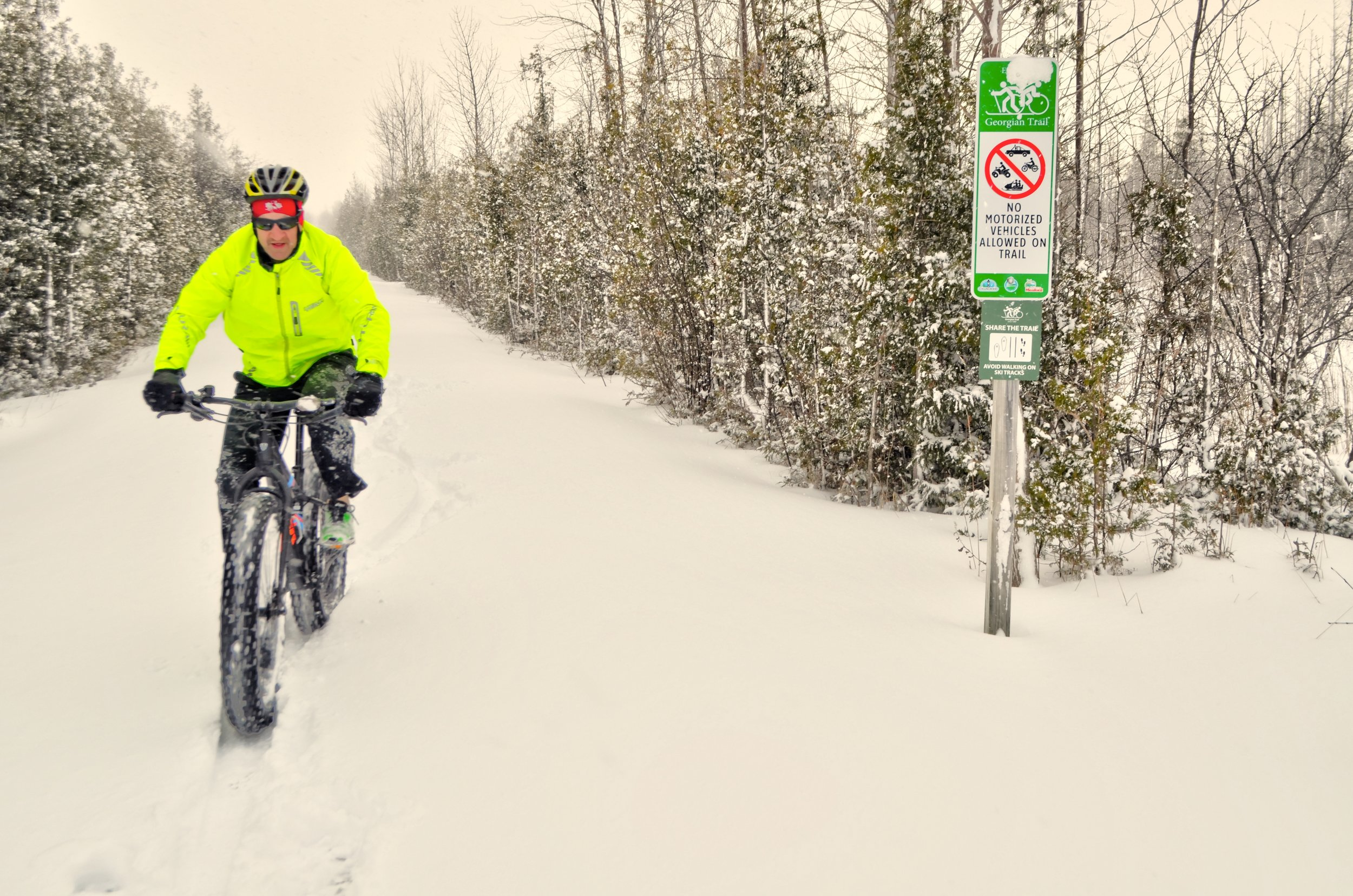 8 Fat bike riding and snow shoeing are popular pastime on Georgian Trail which runs right next to The View as well as the Cranberry Golf Course.jpg