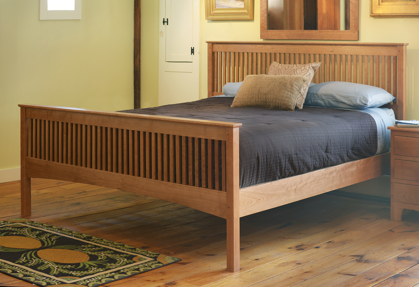 Mission Spindle Bed