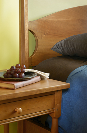 bedroom-furniture-night-table-beds-side-stand-pencil-post-bed