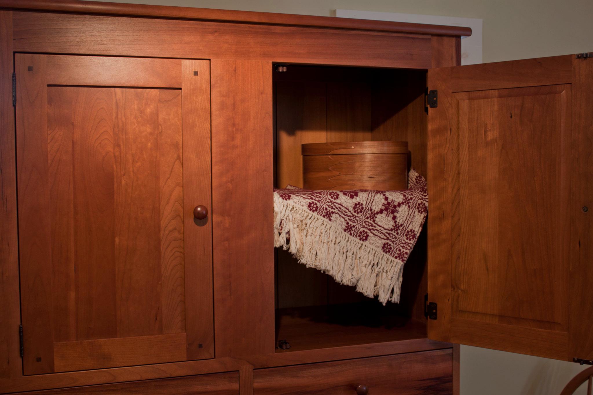 bedroom-furniture-elders-chest-vertical-drawer-chest-dressers