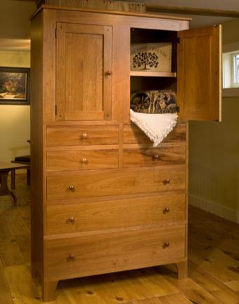 elders-chest-vertical-drawer-chest-dressers