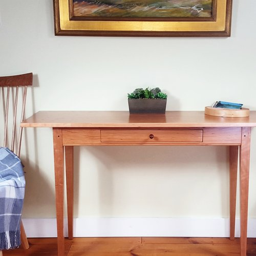 hall-entry-wall-accent-bedroom-furniture-occasional-table