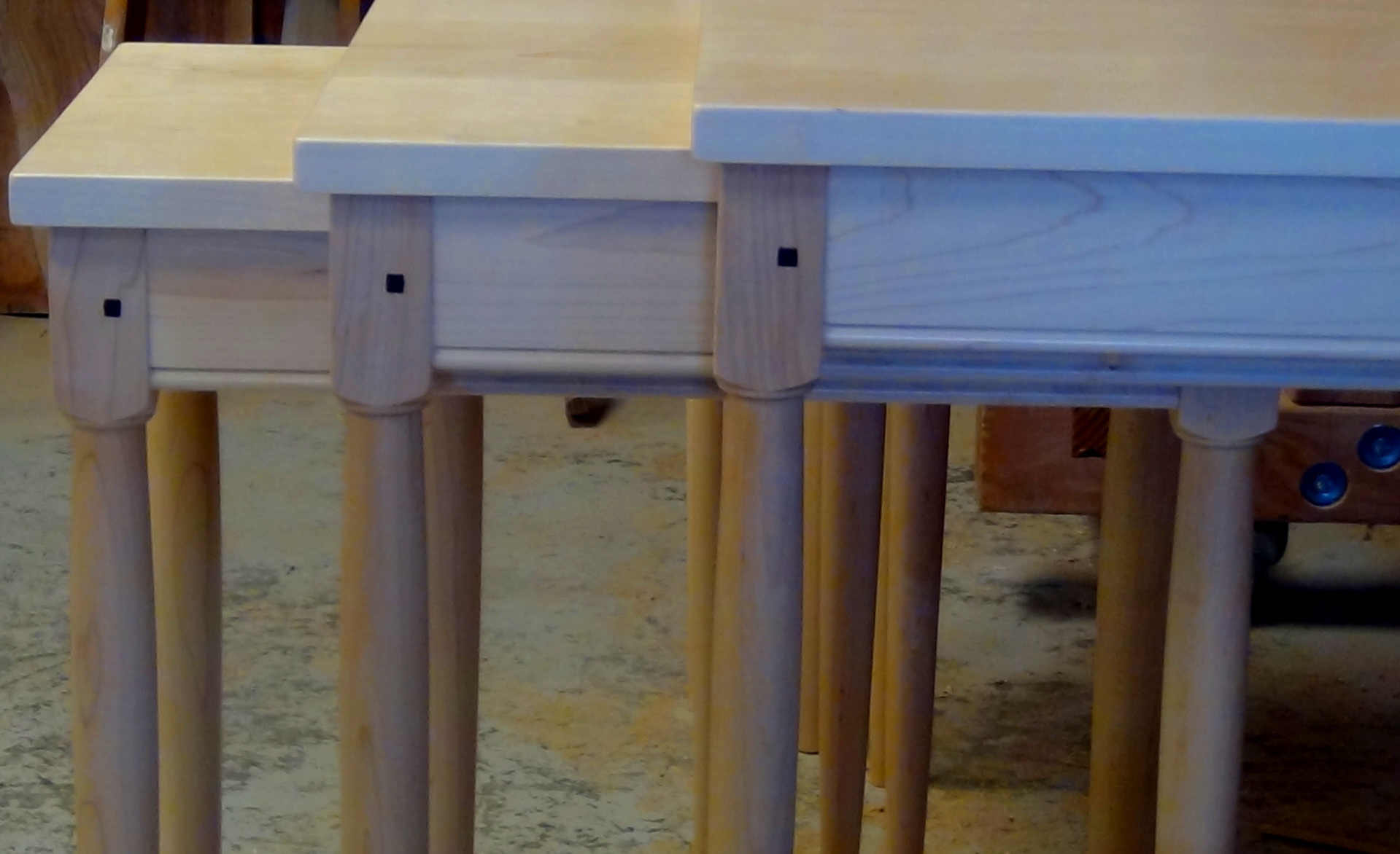 bedroom-furniture-accent-tables-night-stands-shaker-nesting-tables-maple
