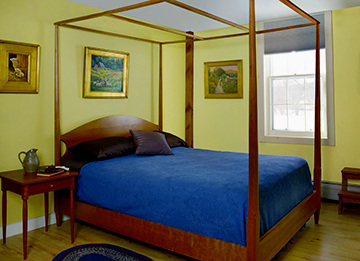 bedroom-furniture-night-table-beds-pencil-post-bed
