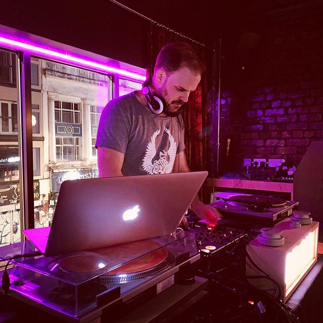 Working the mix 👀 #jameskumo #dj #producer #house #electronicmusic #disco