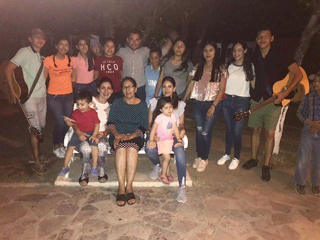 Momentos únicos se vivieron en el festejo del día de las madres, Jóvenes Agentes de Cambio le dan esta hermosa sorpresa a todas las mamás del pueblo de Arivechi, Sonora. para agradecerles todo lo que hacen día con día por sus hijos y su familia. #FundaciónAvanta #Díadelasmadres #Adoptaunpueblo