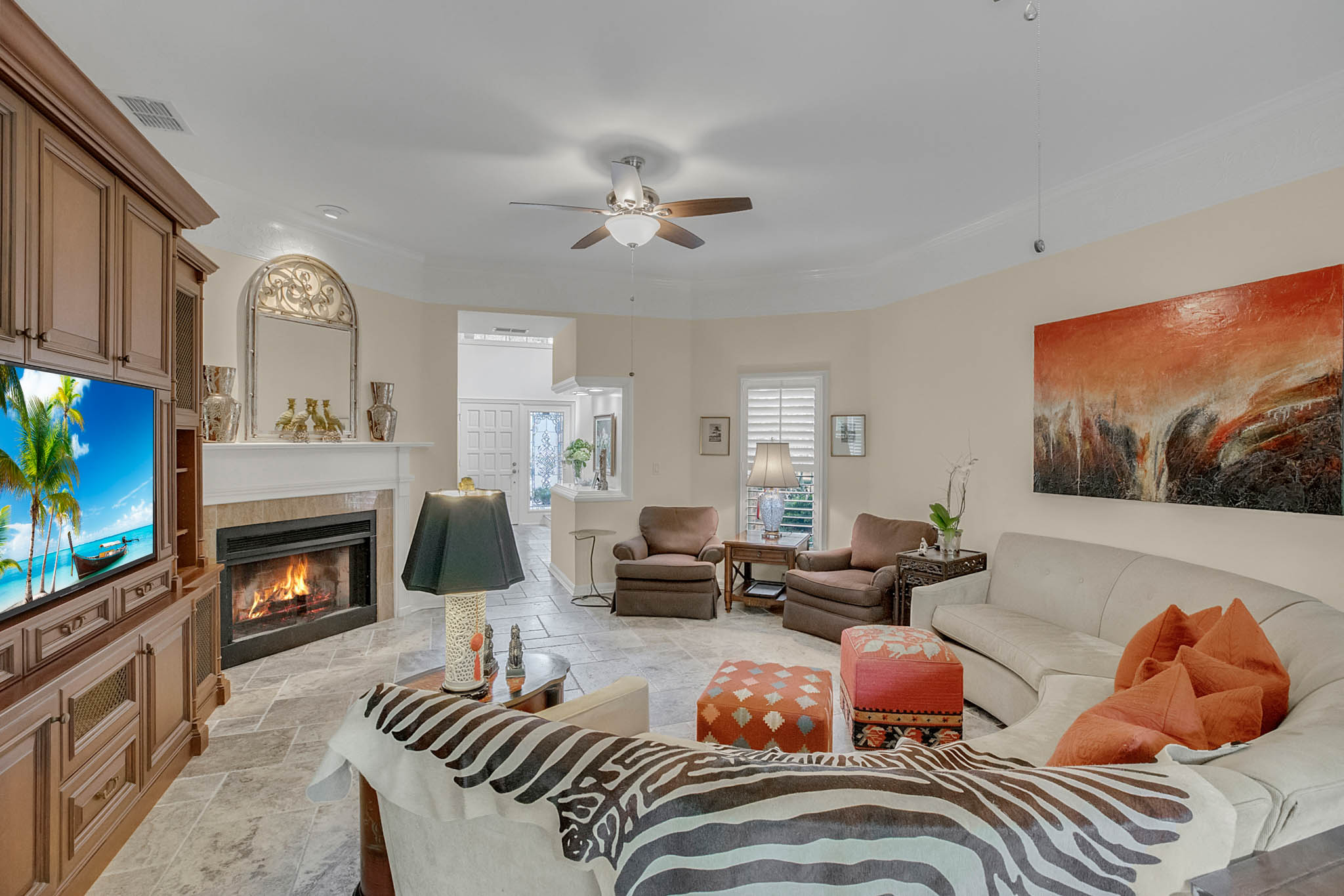 2706-Chambray-Ln.-Tampa--FL-33611--07--Living-Room-1----3-min.jpg