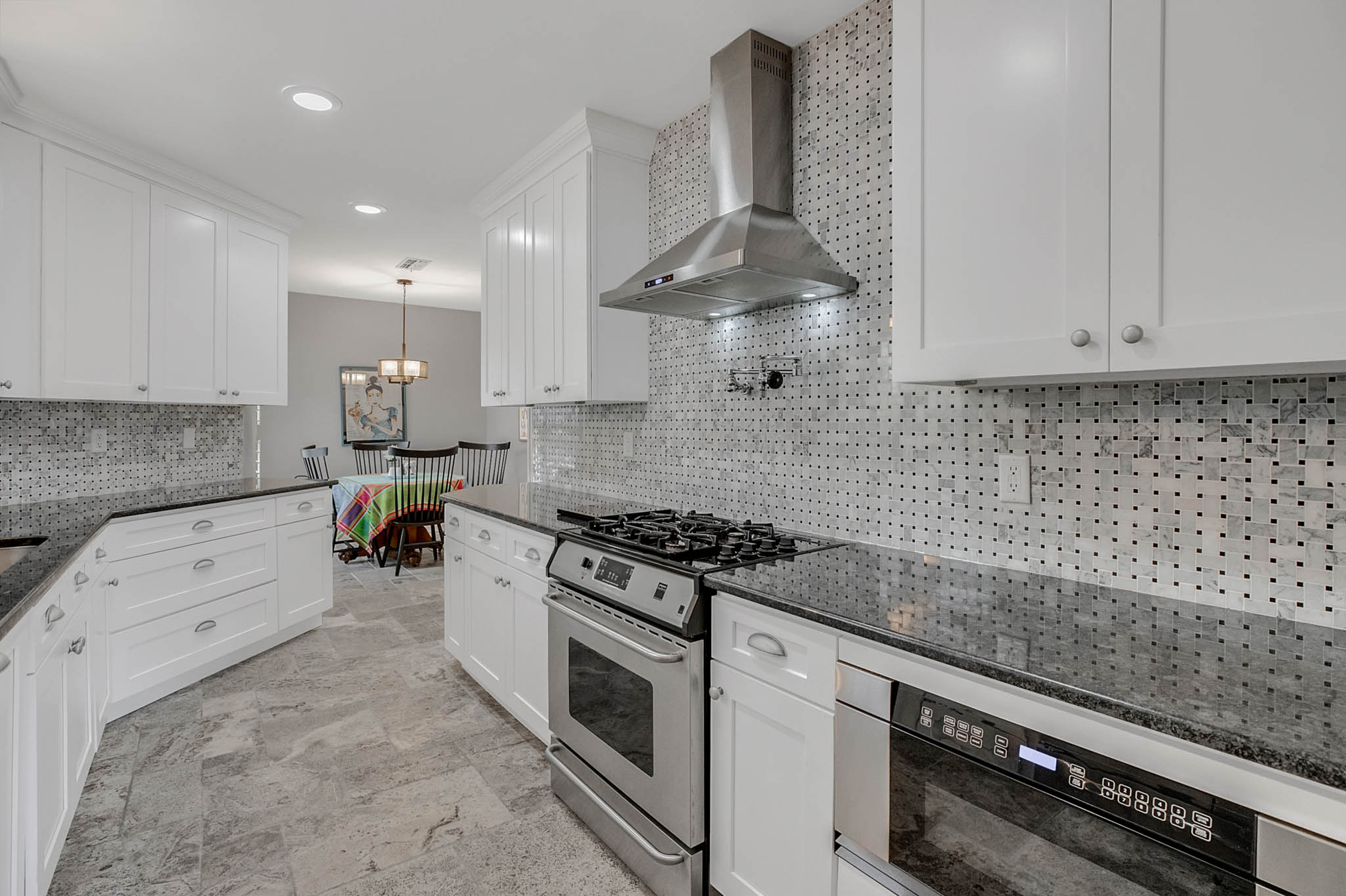 2706-Chambray-Ln.-Tampa--FL-33611--12--Kitchen-1---1-min.jpg