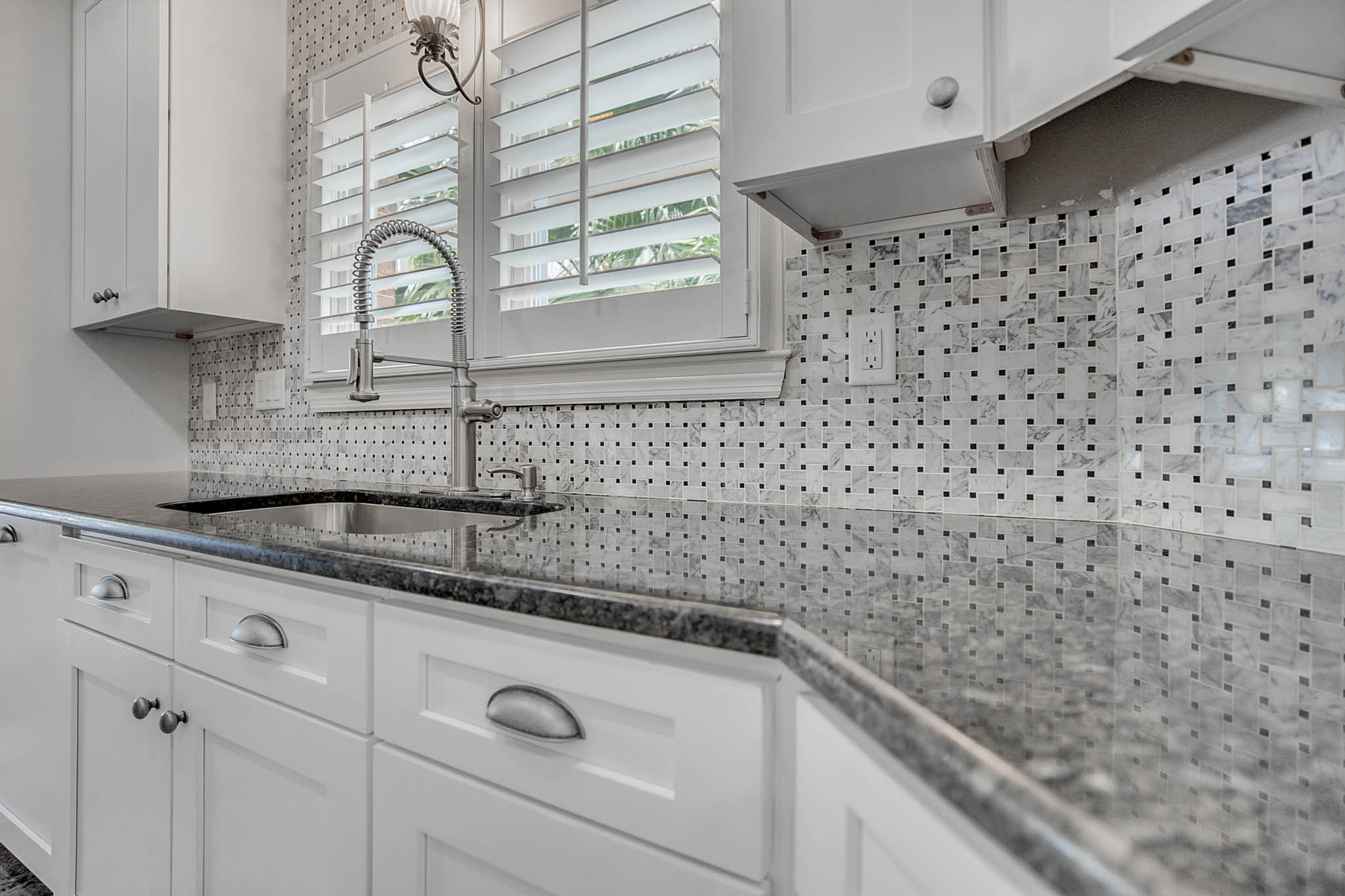 2706-Chambray-Ln.-Tampa--FL-33611--14--Kitchen-1----3-min.jpg