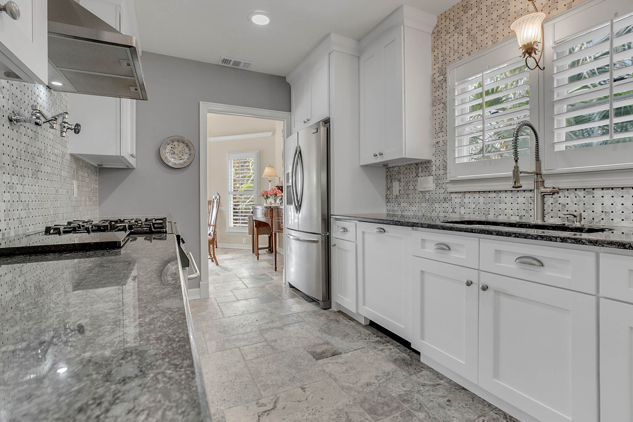 2706-Chambray-Ln.-Tampa--FL-33611--15--Kitchen-1-----4-min.jpg