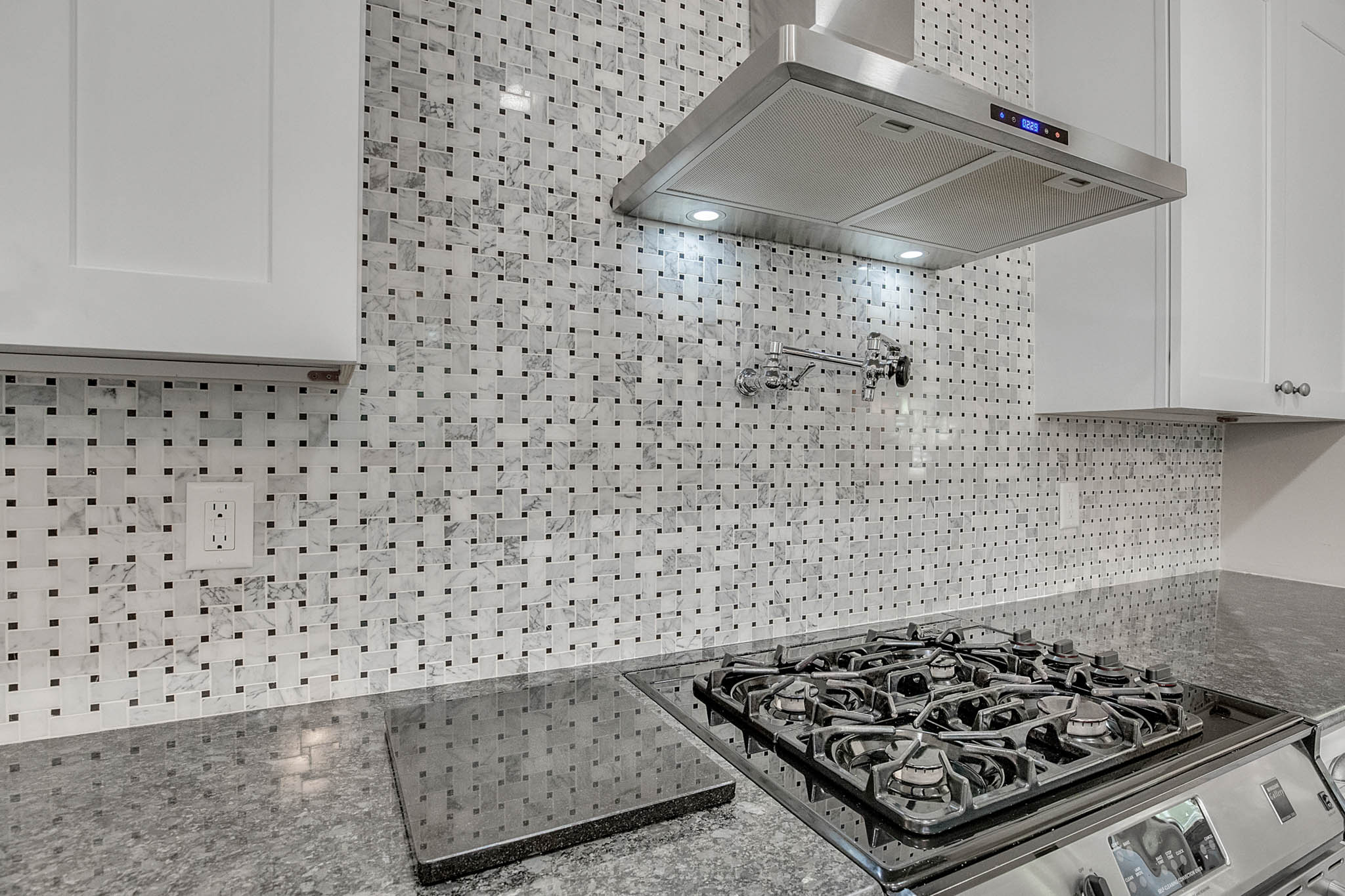 2706-Chambray-Ln.-Tampa--FL-33611--16--Kitchen-1-----5-min.jpg