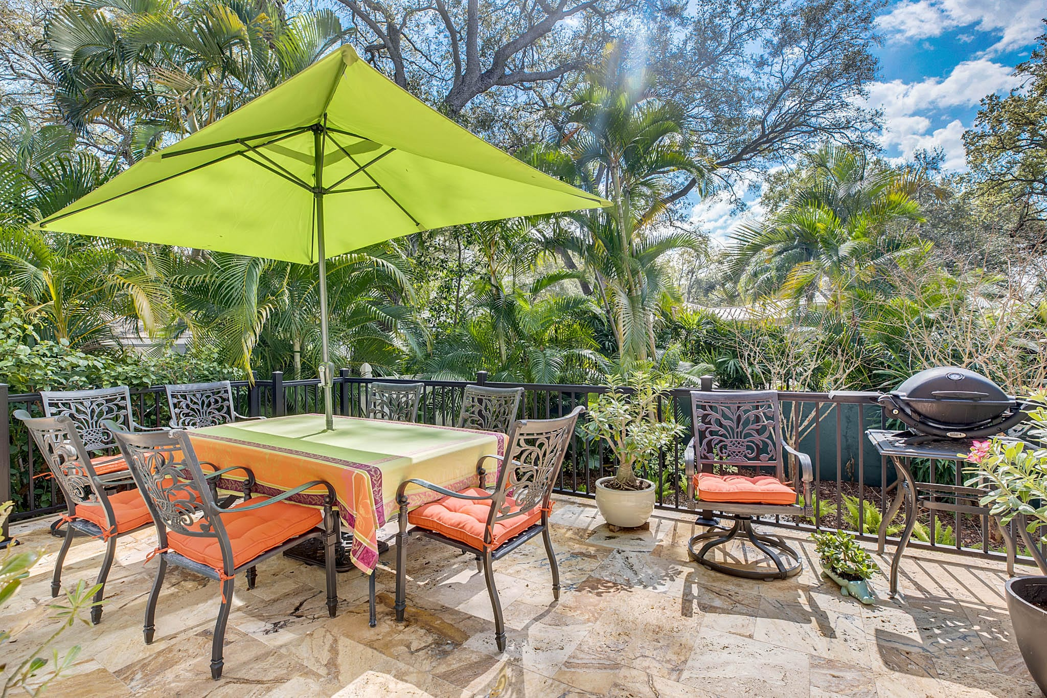 2706-Chambray-Ln.-Tampa--FL-33611--32--Patio-1---1-min.jpg