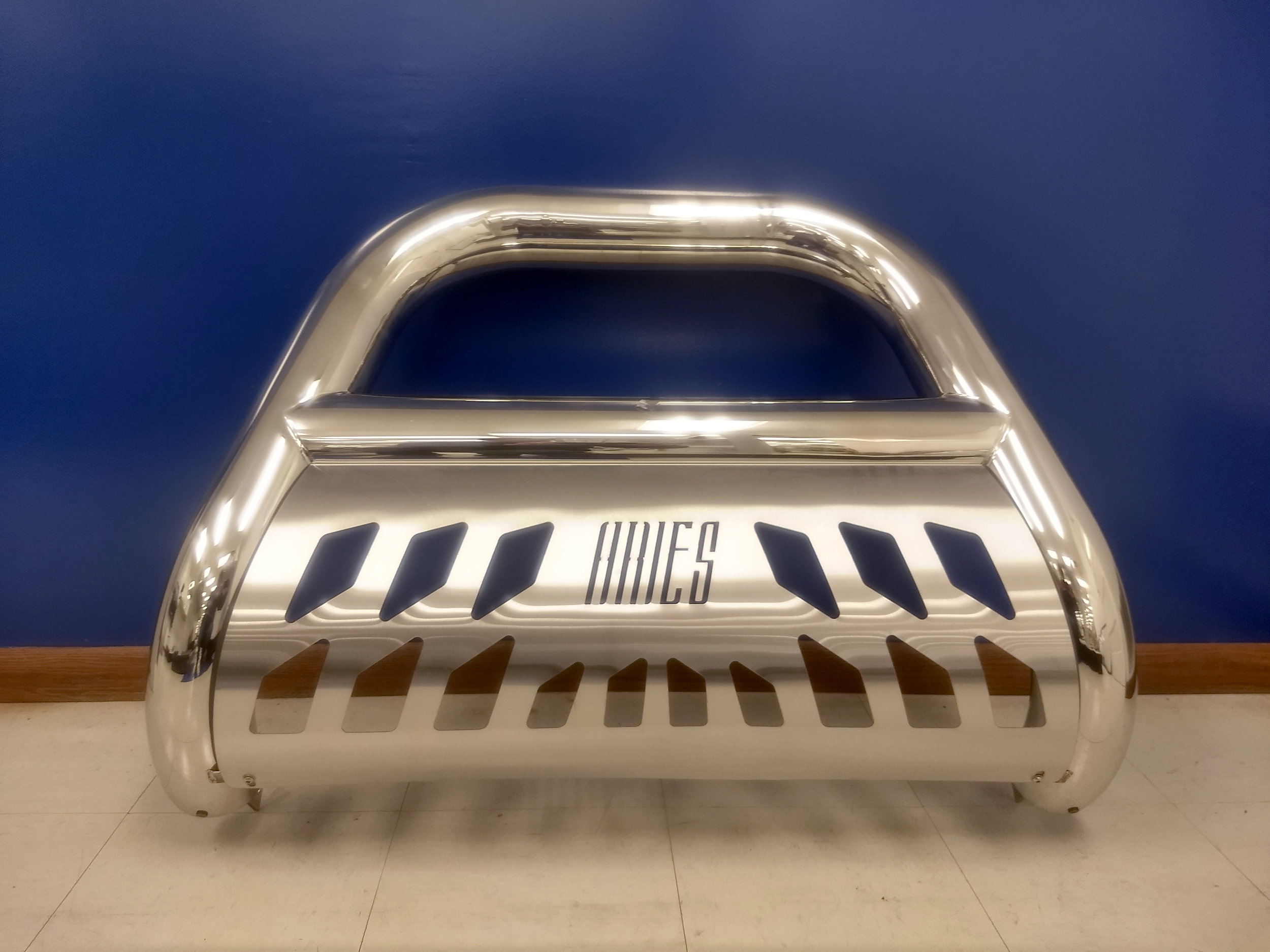 45-3007 - Aries grill guard for a 2004-2017 F150. Stainless steel with skid plate, showroom price $599.99.
