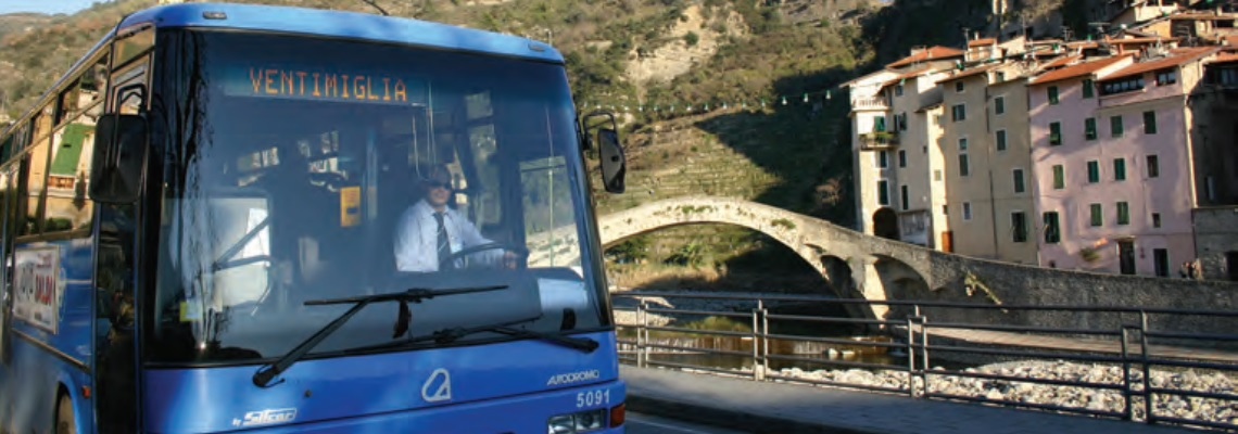 CasaSullaPiazza-Apricale-Italy-Vacation-Home-Bus.jpg