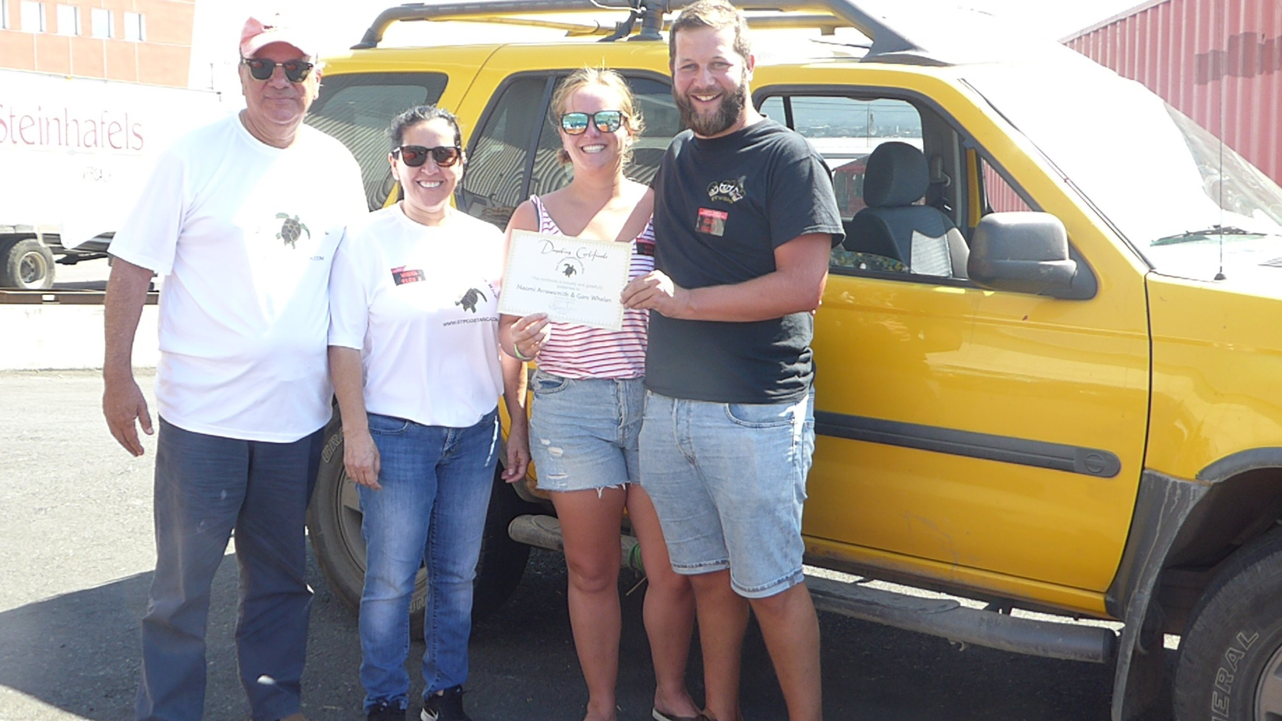 Gary-and-Naomi-Brits-donating-American-purchased-4x4-SUV-ute-vehicle-to-costa-rican-turtle-refuge