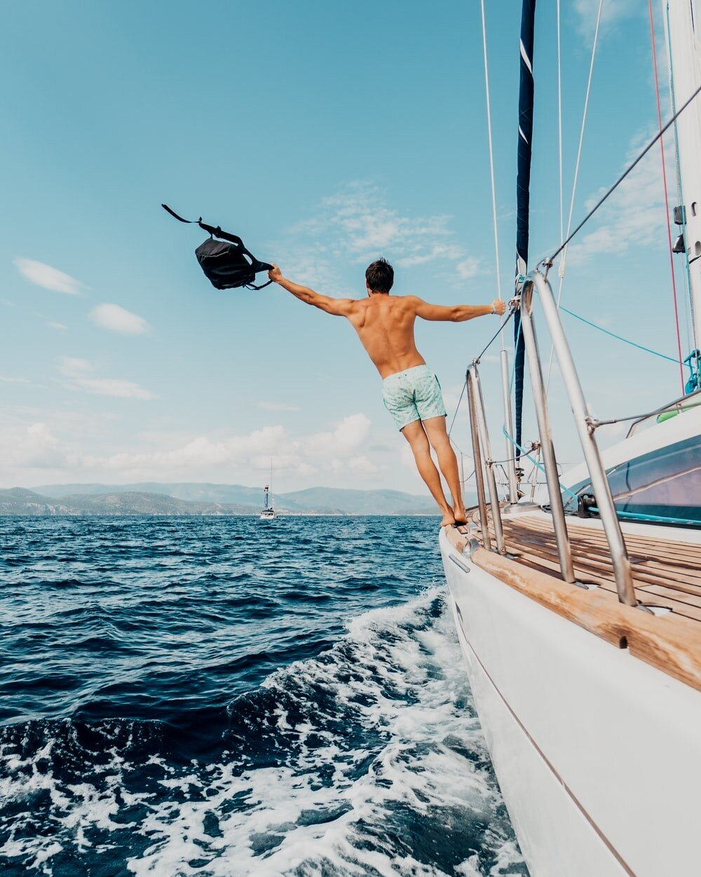 Looking for an adventure? - Try a sailing trip with Professional Photos Included