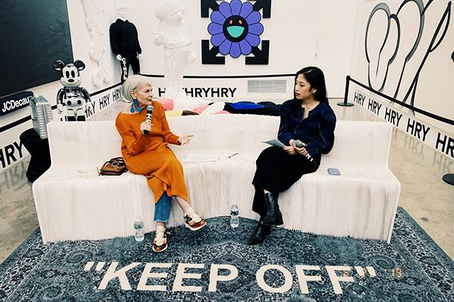 Thank you for Mrs. Lyn Slater (@iconaccidental) for such a phenomenal and insightful conversation about the importance of embracing transition,  fashion and life! ✨✨✨ This HRY SPACE Talk is co-organized by Kristin Wang. (@krislovetin)  #HRYSPACETALK #ArtistTalk #Artist #Contemporary #Fashion #HRYSPACE #OffWhiteIkea