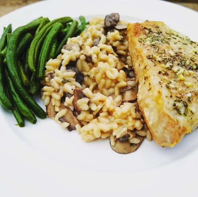 • Pork Chops with Garlic and Rosemary • Green Beans • Mushroom Risotto • Some things are worth the calories. 🙂  #preparedwithcaretx #chefservices #privatechef #privatecheflife #northtexaschef #personalchef #personalchefservices #mealprepchef #whatsfordinner #goodeats #myplate