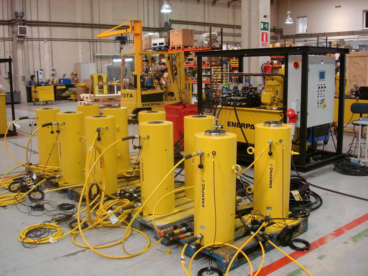 custom-hydraulic-cylinders-dsc05311.jpg