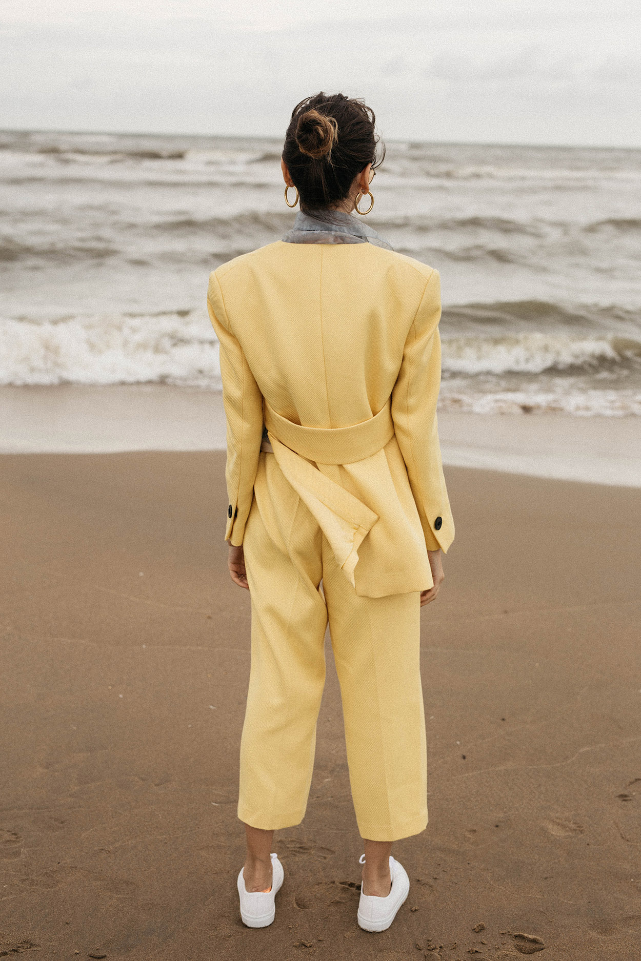 Colorful-suit-trend-yellow-by-malene-birger-blazer-outfit-ideas-bold-colors-fall-winter-2018-sea-editorial-8.jpg