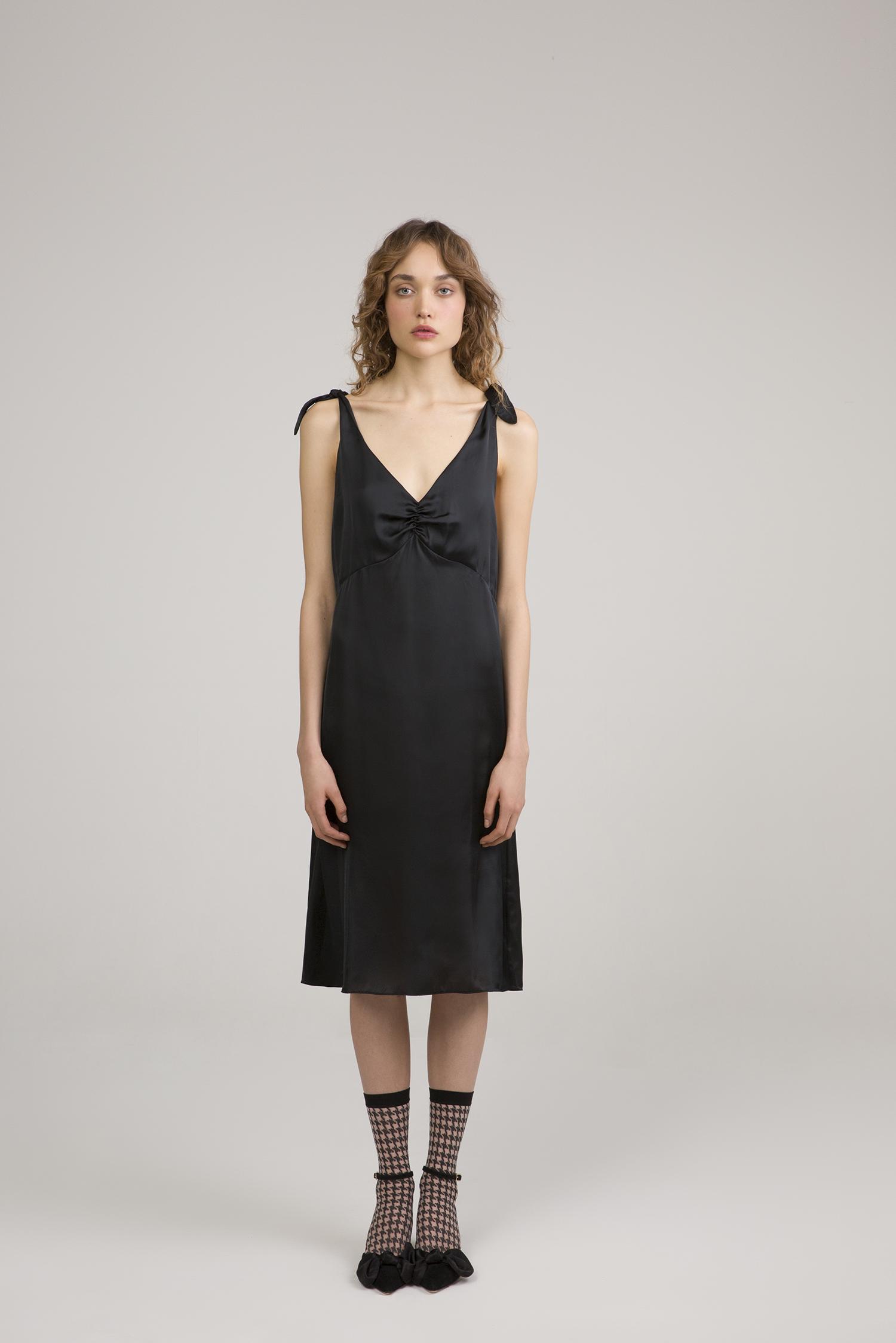 ESTHÉ - Black Satin Dress£115 GBP