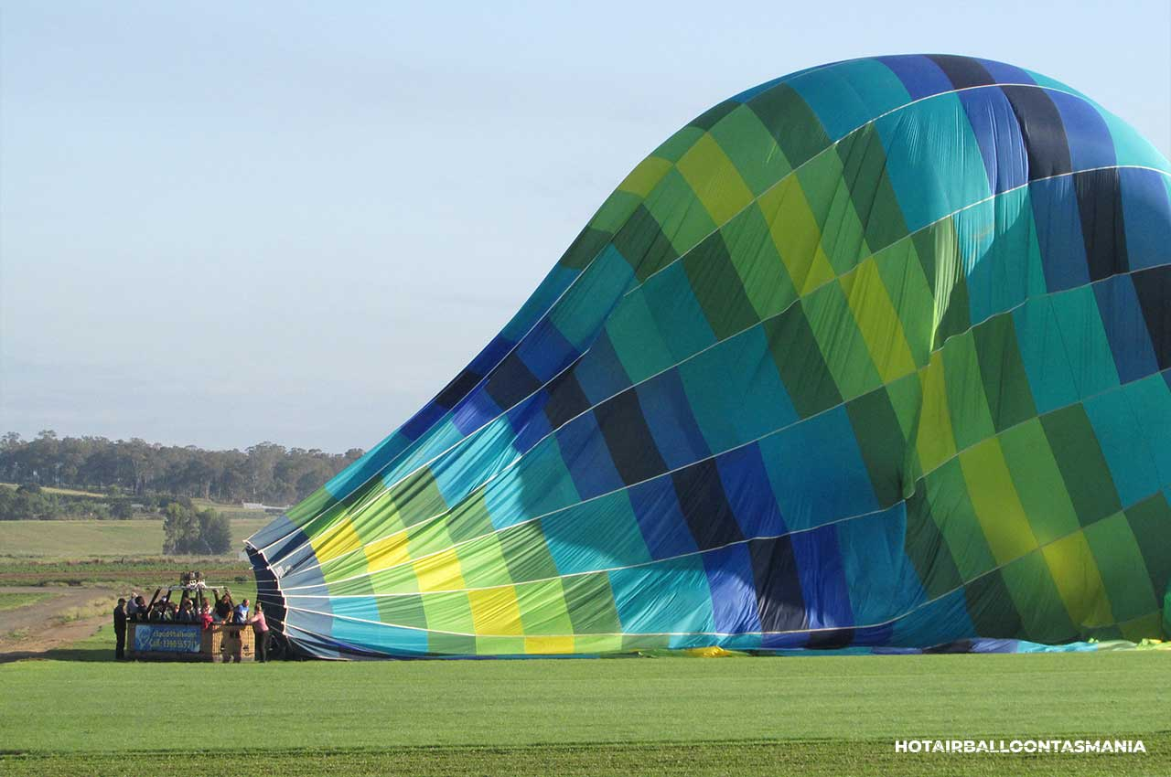 hot-air-balloon-tasmania-gift-voucher_01.jpg