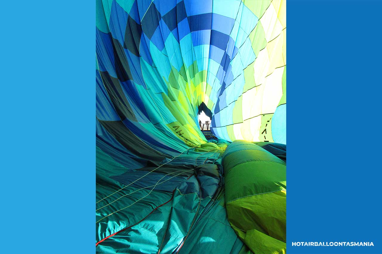 hot-air-balloon-tasmania-flight-experience_02.jpg