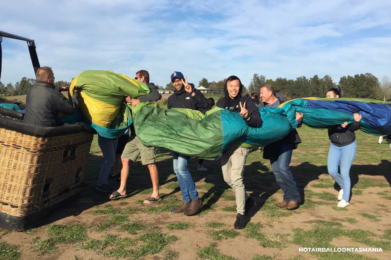 hot-air-balloon-tasmania-flight-experience_01.jpg