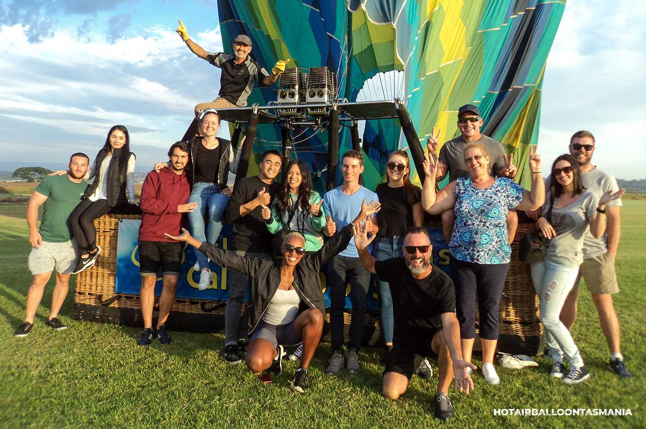 hot-air-balloon-tasmania-flight-experience_04.jpg
