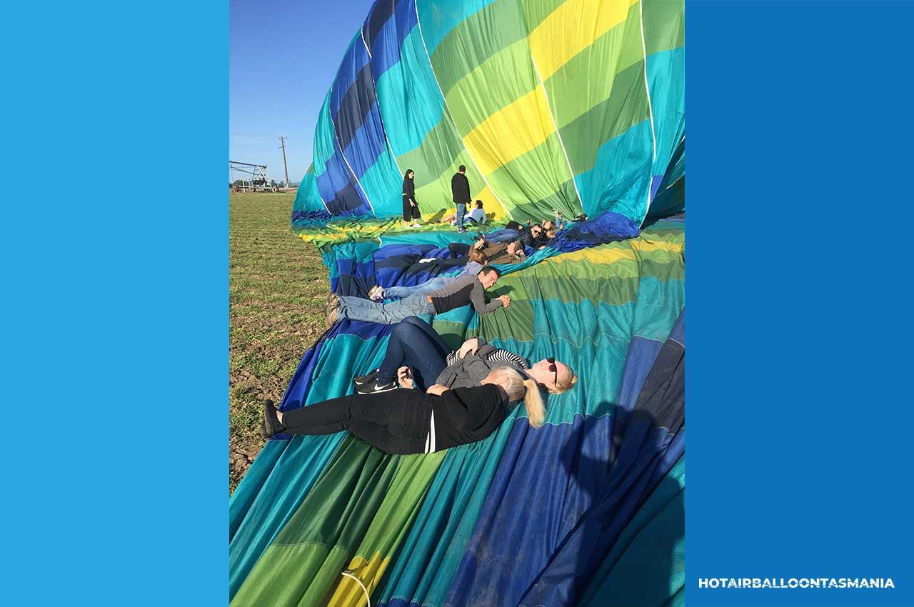 hot-air-balloon-tasmania-flight-experience_03.jpg
