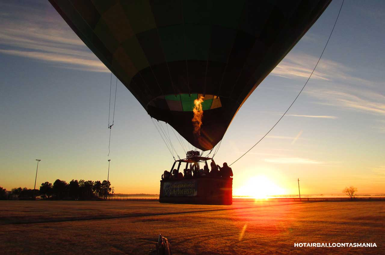 hot-air-balloon-tasmania-flight-experience_09.jpg