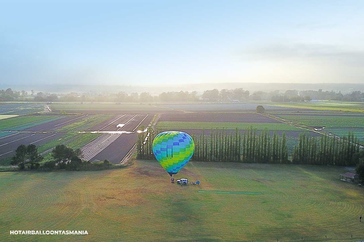 hot-air-balloon-tasmania-flight-experience_07a.jpg