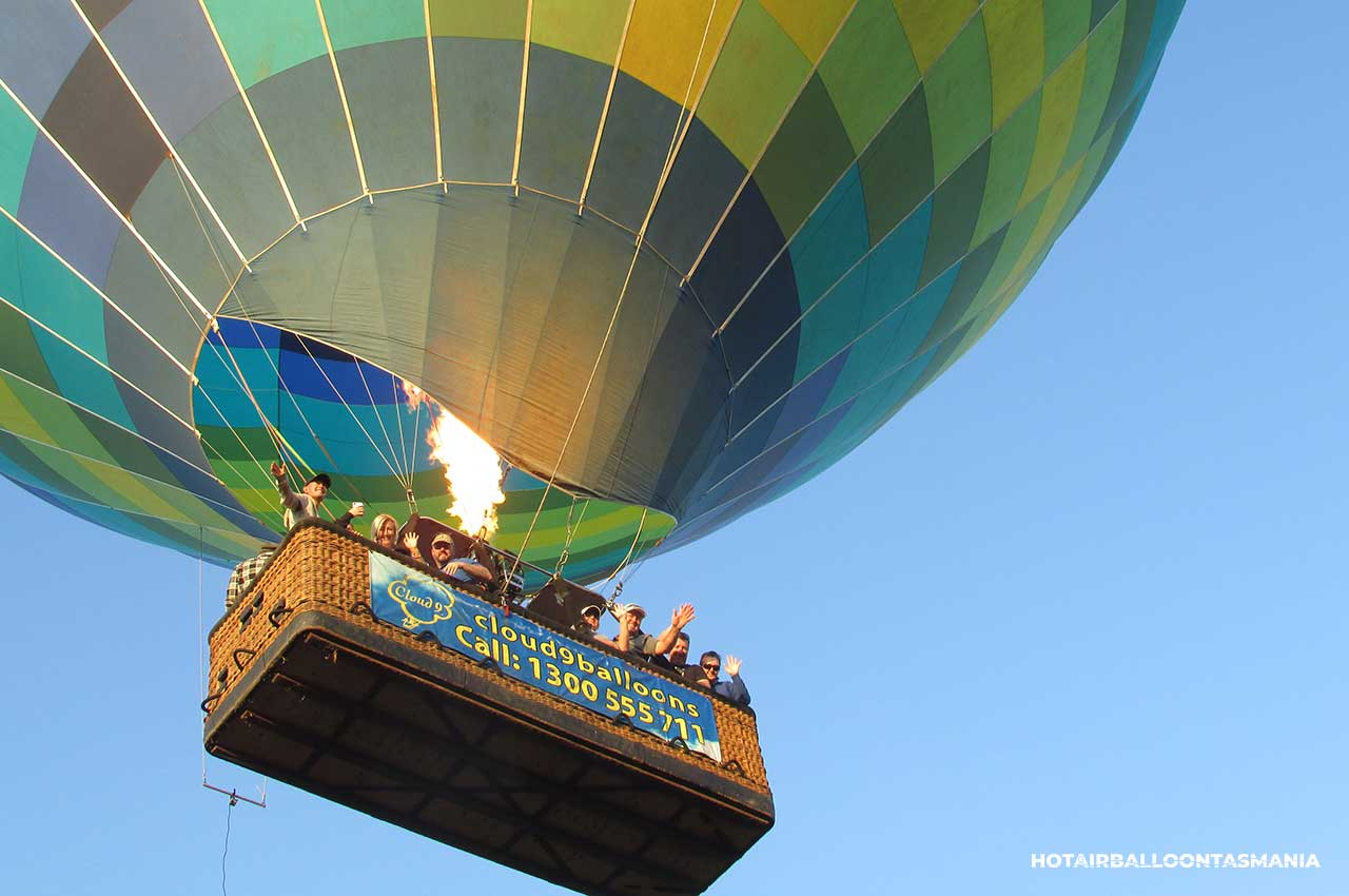 hot-air-balloon-tasmania-flight-experience_16.jpg