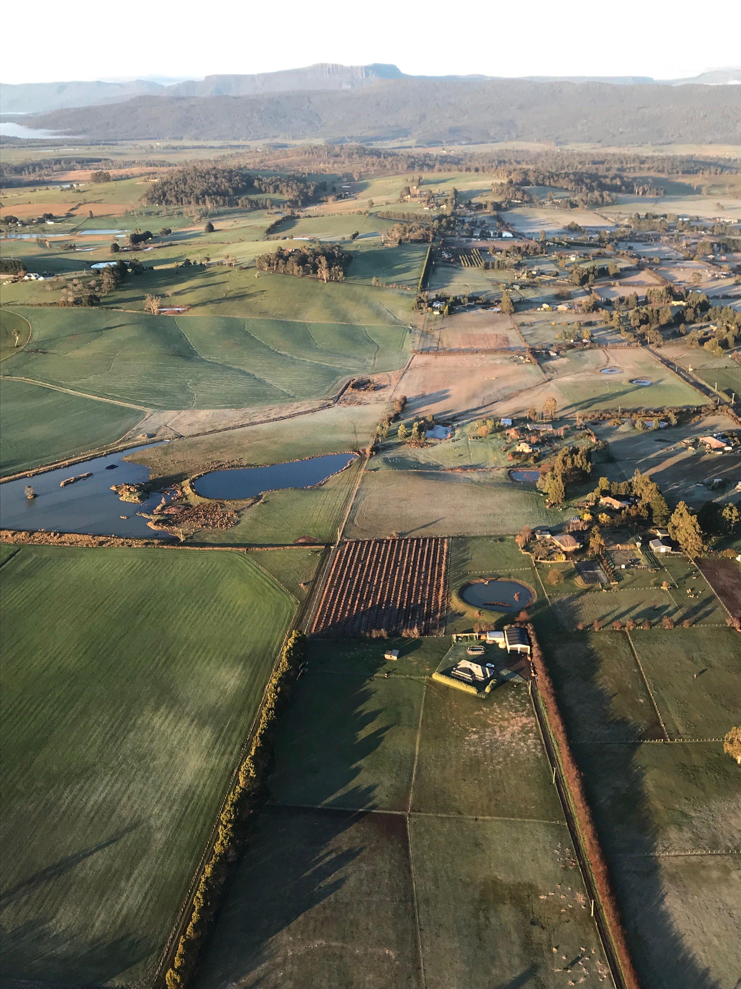Tasmania-balloon-flight-1.jpeg