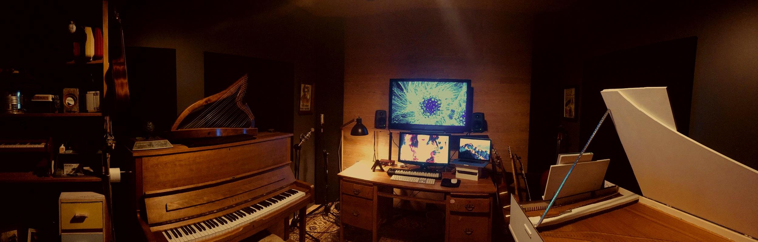 CLAIRE'S STUDIO