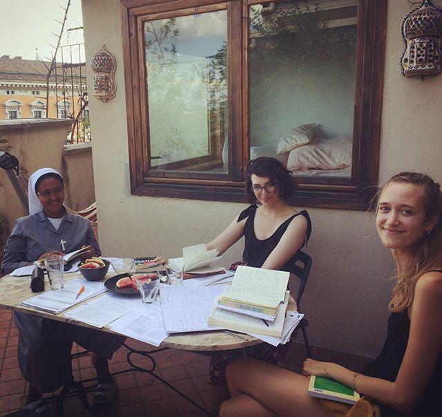 "🇮🇹 Cutest study group ever 🥰 ""gruppo di studio più carino di sempre""  #italianclass #koiné #rome"