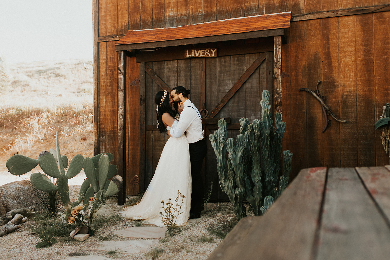 Joshua_Tree_Elopement_Hannah_Alena_Photography-97.jpg