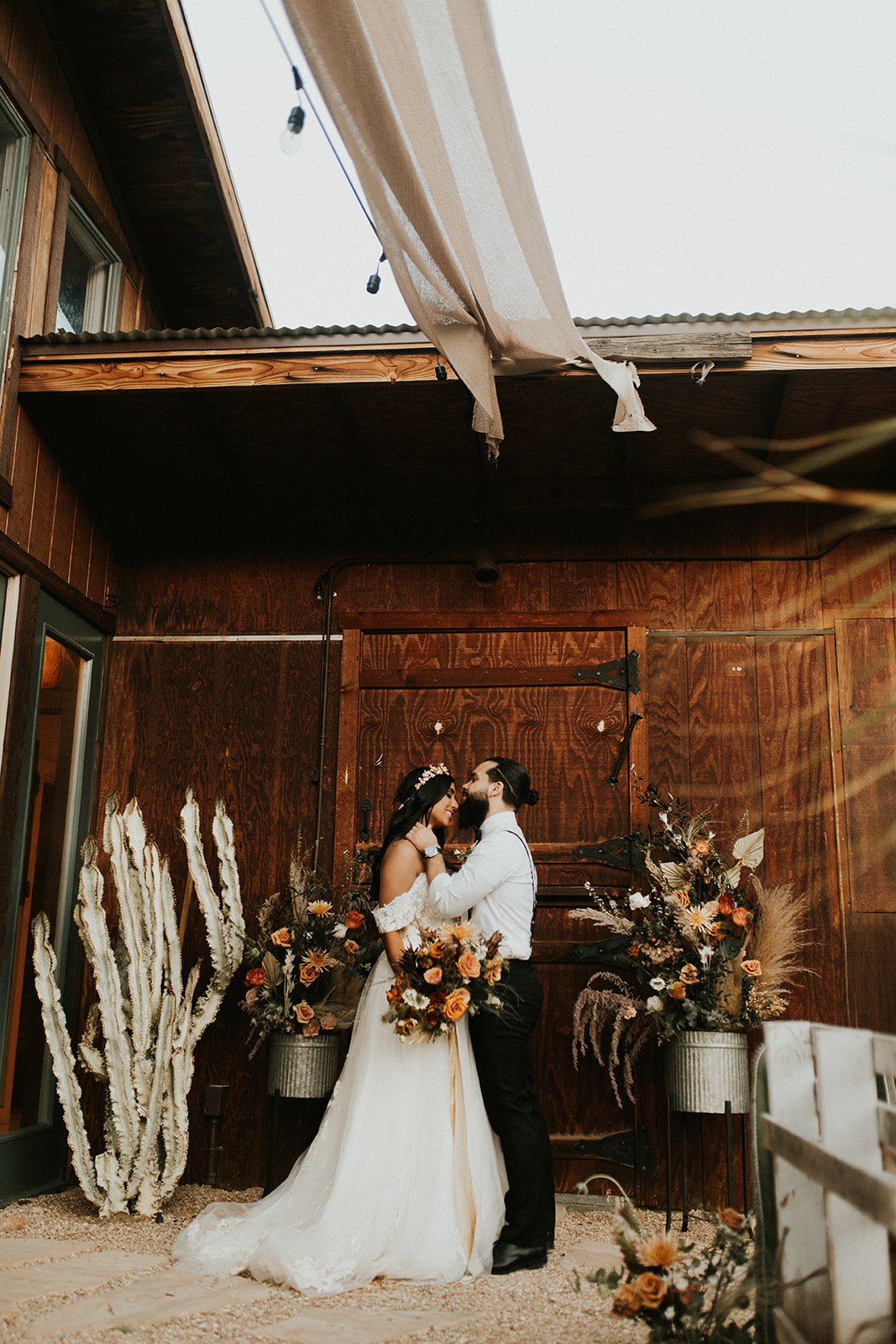 Joshua_Tree_Elopement_Hannah_Alena_Photography-170.jpg