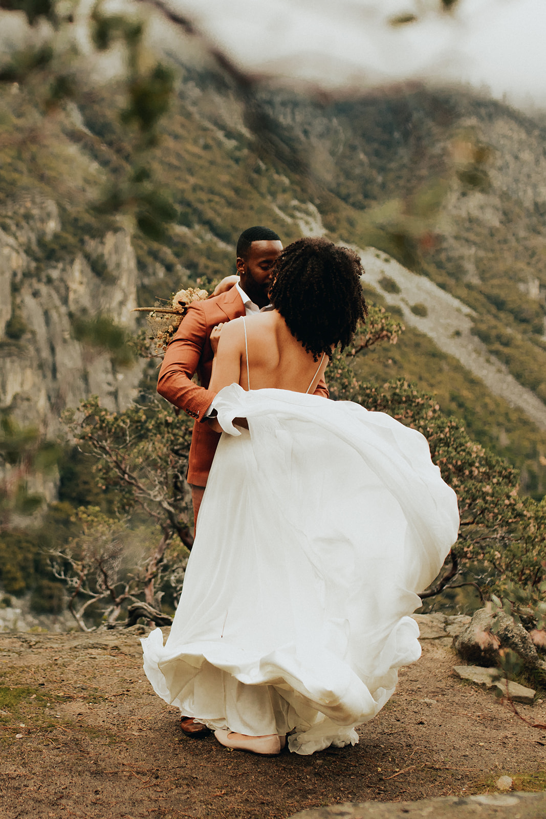 Yosemite_Elopement_Hannah_Alena_Photo_Portland_Wedding_Photographer-87.jpg