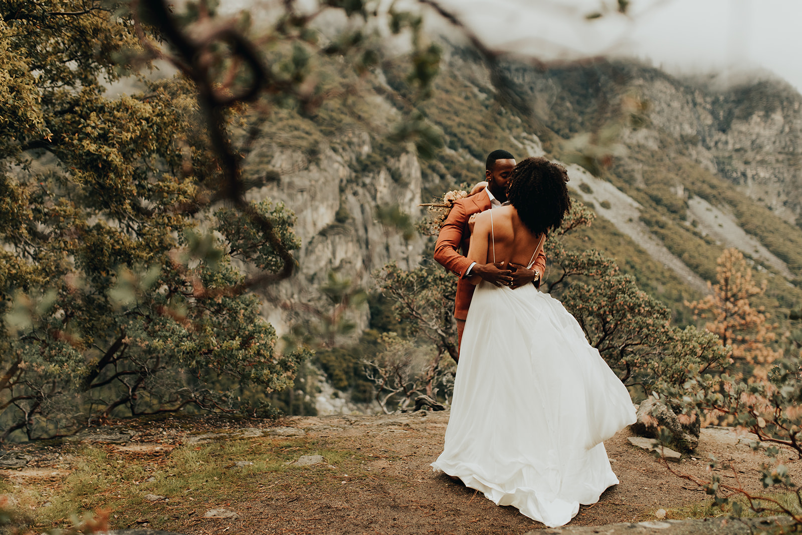 Yosemite_Elopement_Hannah_Alena_Photo_Portland_Wedding_Photographer-88.jpg
