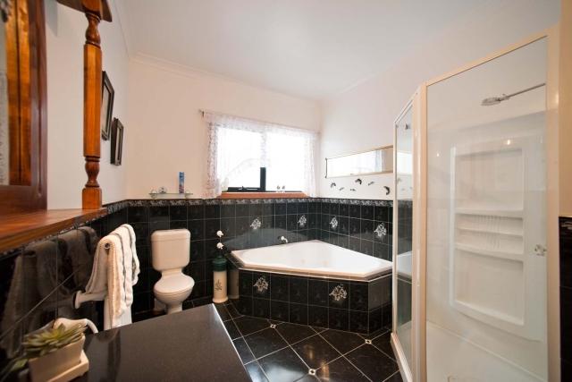 SOHT_main Bathroom.jpg