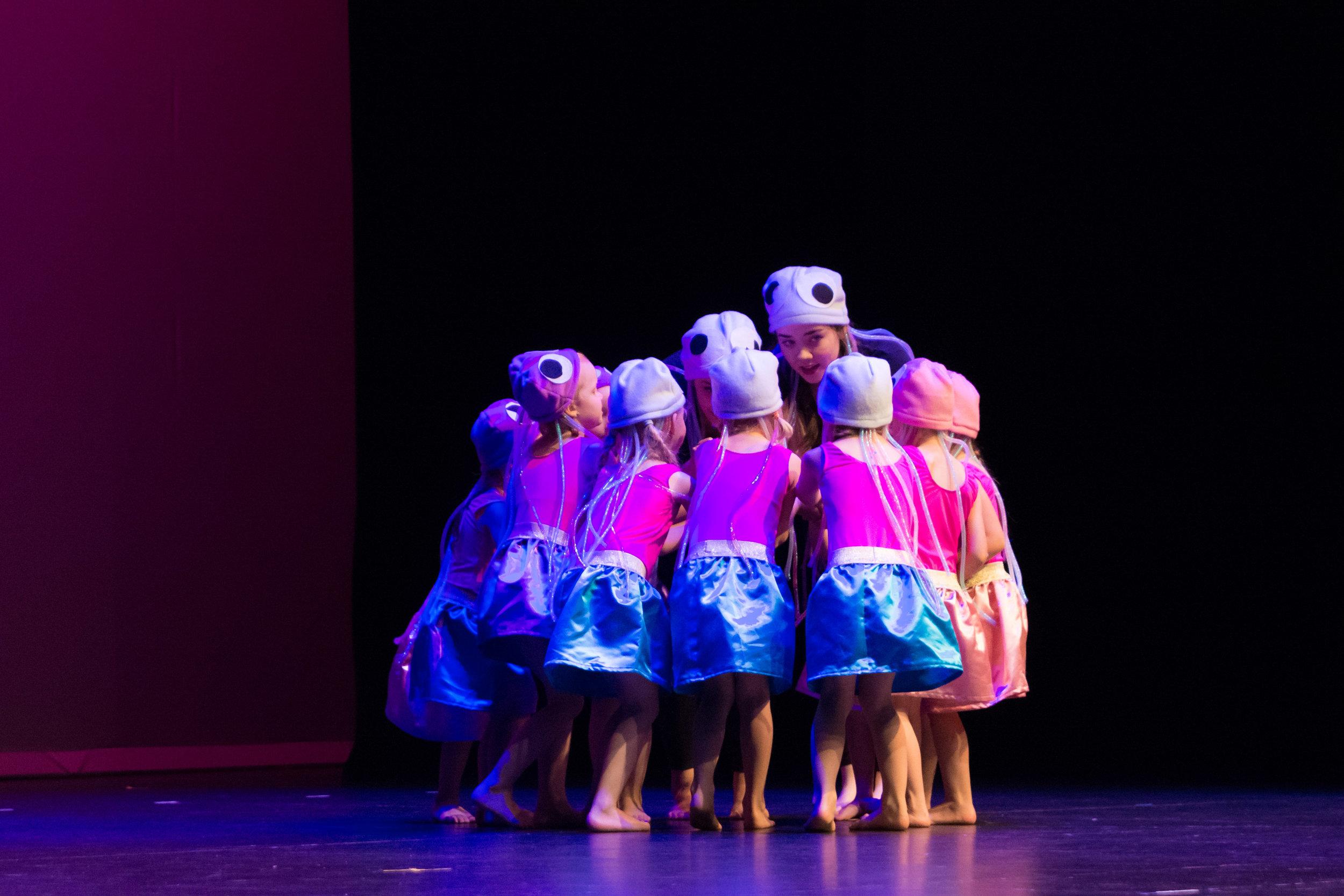 Dance40336.jpg