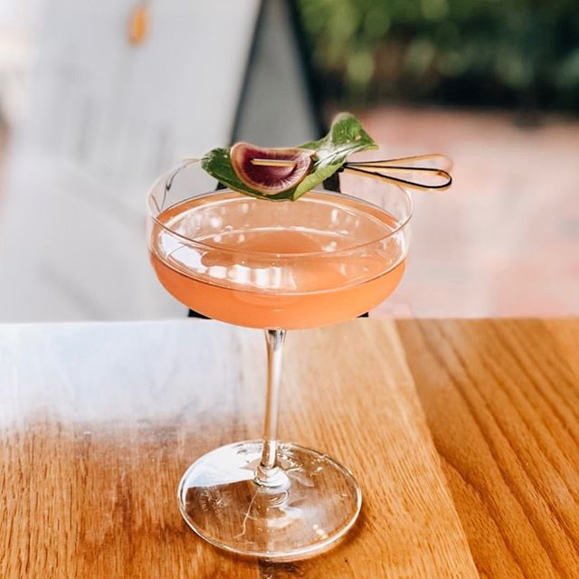 Hello Friday night vibes. Time for a little weekend cocktail inspo via @tulipbarrestaurant 🧡. #fridaynight #cocktails #geelong #placeswelove #weekendvibes #smallbusiness #geelongfood