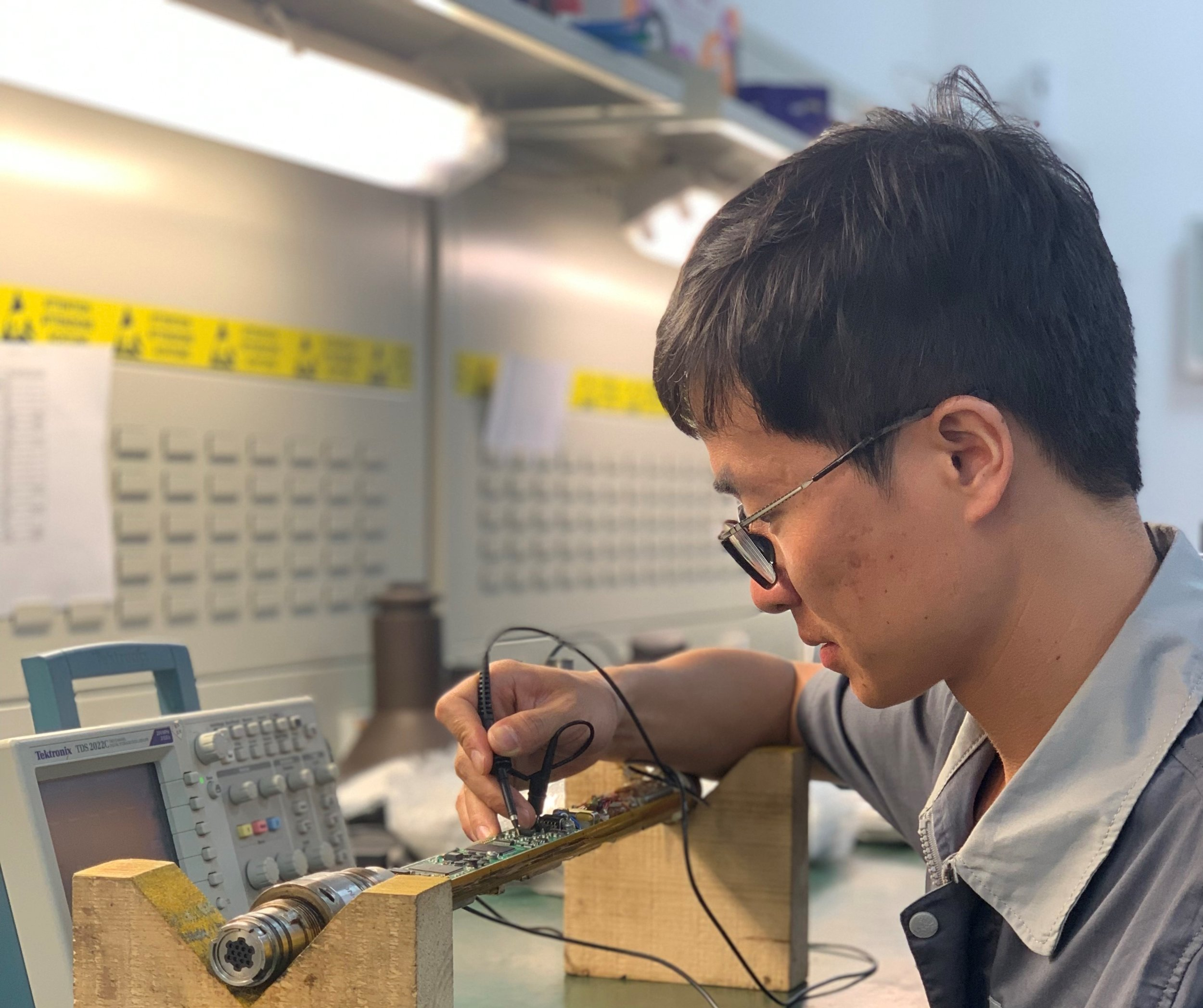 About Us - At GOWell, we are constantly evolving to meet our customer´s growing needs. Our roots are in China, where the company was founded. We quickly expanded globally to cover our customer base with Research and Development centers in Houston (USA), Xi´an and Beijing (CN) as well as Technical Support centers present in both hemispheres, where we provide training for the usage of our technologies.