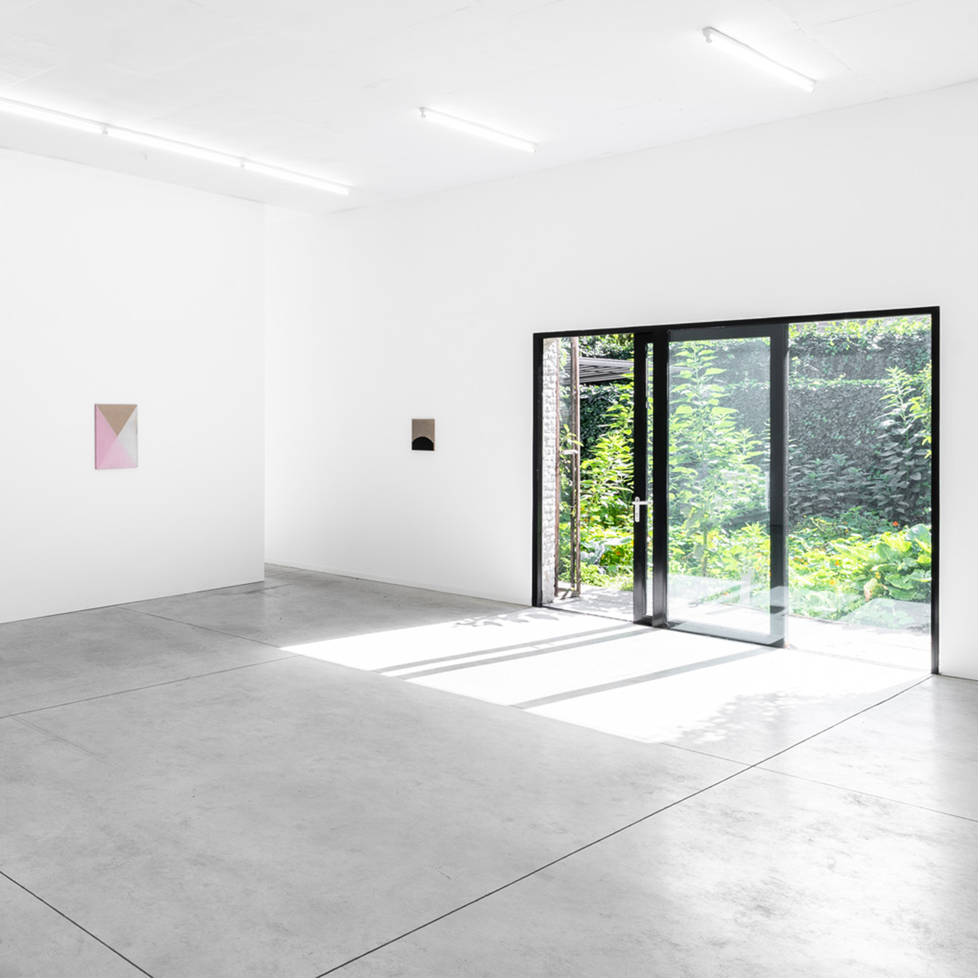 Jeff McMillan, Dark Parade, 2018, installation view_006 � Kristof De Clercq gallery.jpg